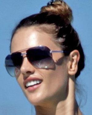 Alessandra Ambrosio - Marc Jacobs - 107/S