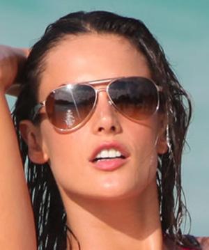 Alessandra Ambrosio – Persol – PO 2365S