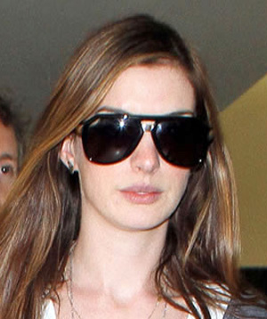 Anne Hathaway in Dsquared 0027