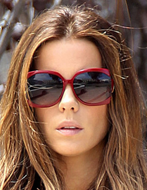 Kate Beckinsale - Jee Vice - Red Hot