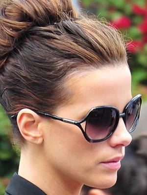 Kate Beckinsale - Michael Kors - MKS 586 - Corsica