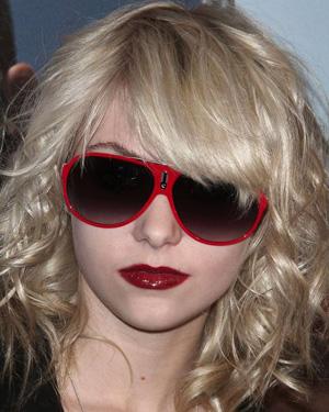 Taylor Momsen - Carrera - Hot/S