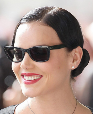 Abbie Cornish - Ray-Ban - RB 4148 Caribbean