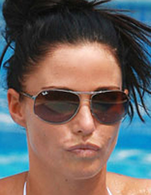 Katie Price - Ray-Ban - 3387