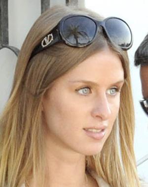 Nicky Hilton - Valentino - 5619/S