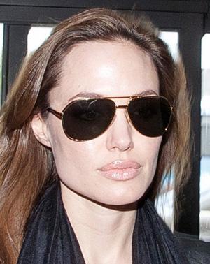 Angelina Jolie – Dolce & Gabbana – 2073K