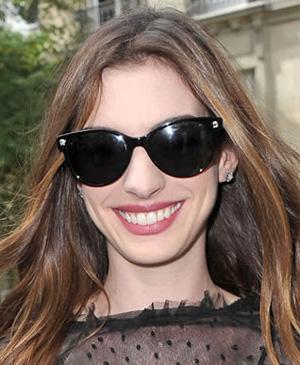 Anne Hathaway - Versace - 4214/S