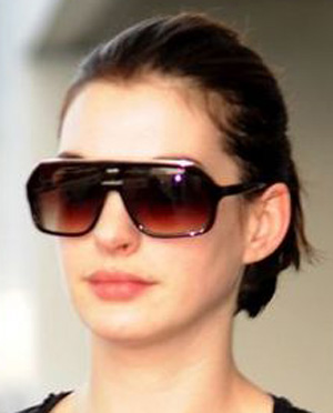 Anne Hathaway - Oliver Peoples - KVA