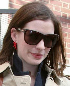 Anne Hathaway – Tom Ford – Dahlia TF 0127