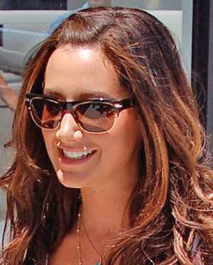 Ashley Tisdale – Oliver Peoples – Wilder