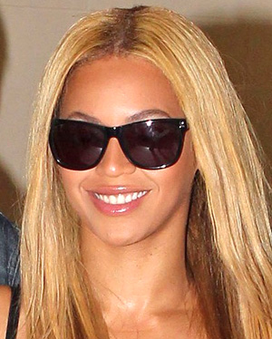 Beyonce Knowles – Oliver Peoples – Daddy B