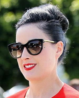 Dita Von Teese – Thierry Lasry – Lively