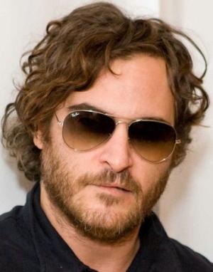 Joaquin Phoenix – Ray-Ban – RB 3025