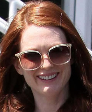Julianne Moore – Chloe – CL 2201 – Belladone
