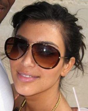 Kim Kardashian – Guess – 6350