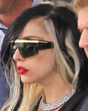 Lady Gaga – Versace – T76