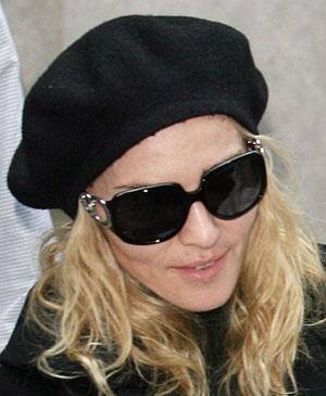 Madonna - Salvatore Ferragamo - FE 2118B