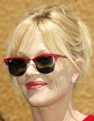 Melanie Griffith – Ray-Ban – RB 3016 – Clubmaster