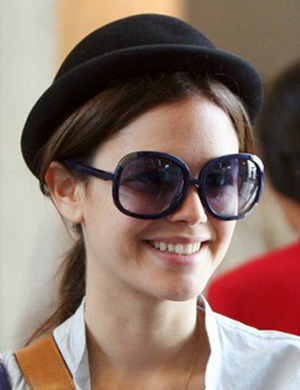 Rachel Bilson – Chloe – 2119